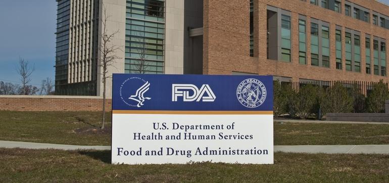 FDA panel backs J&J's coronavirus vaccine, clearing way for shot's authorization